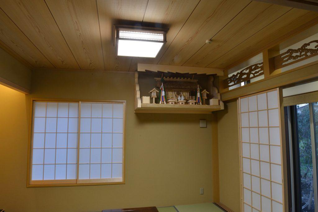 彫刻付棚板を施工例20に追加