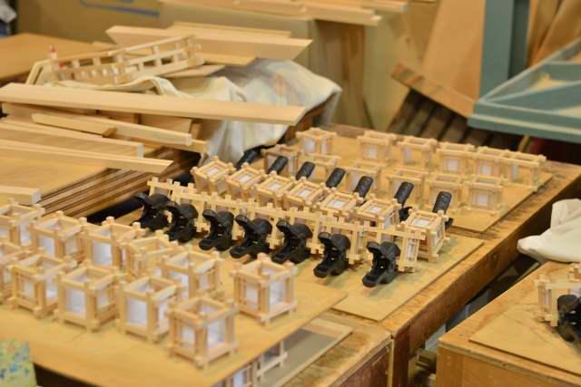 木製灯籠の火袋組立