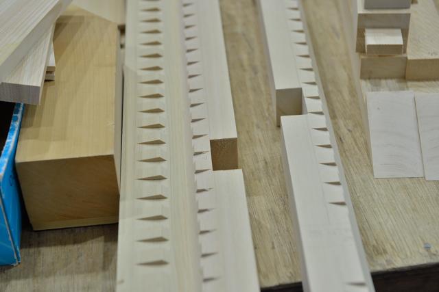 稲荷宮の垂木加工