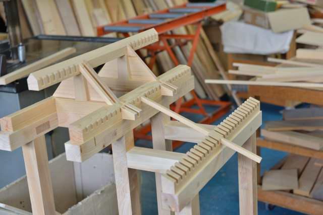 稲荷宮の屋根周りの製作