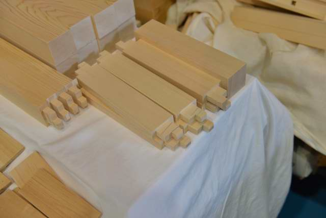 机の貫の加工