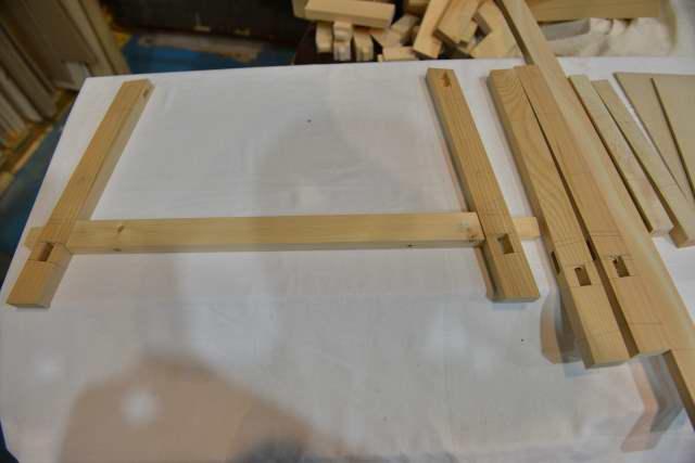 唐櫃の置く台の試作