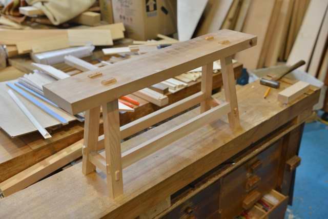 唐櫃を置く台の試作完成