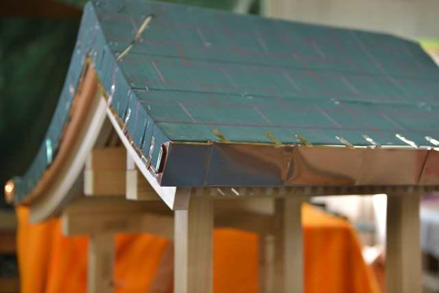 稲荷宮7寸屋根の銅板葺