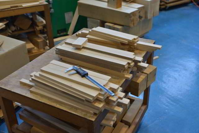 稲荷宮の垂木製作
