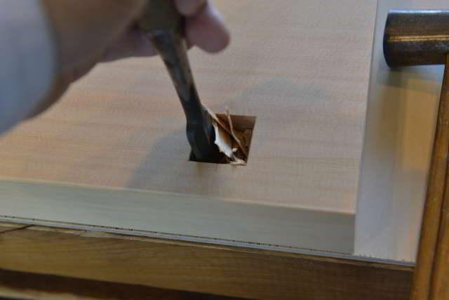 棚板のホゾ穴加工
