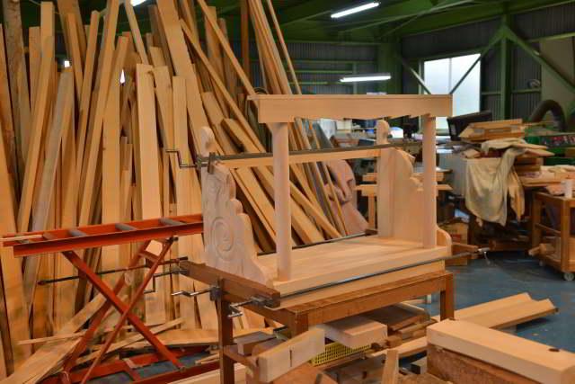 両面彫刻式雲板付格子棚板