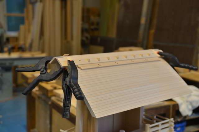 厚屋根一社宮正殿型のあおり板取付