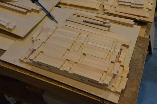 低床板屋根通三社宮を製作